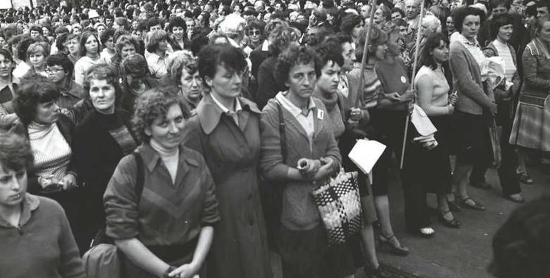 30 lipca 1981 r. przeszedł przez Łódź strajk głodowy kobiet. Była to najliczniejsza demonstracja uliczna w czasach PRL.