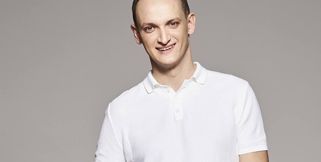 Michał Korościel jest dziennikarzem Radia ZET oraz komentatorem Eurosportu i Eleven. Dawniej związany z Radiem Zielona Góra