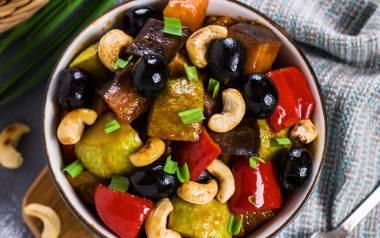 Dietetyczny gulasz warzywny gotowany na parze.