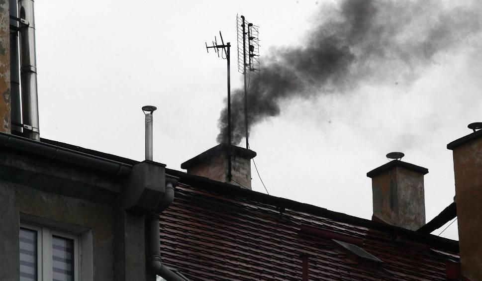 Film do artykułu: Smog nad Rzeszowem, Dębicą, Jasłem. Taki stan może utrzymać się aż do wtorku