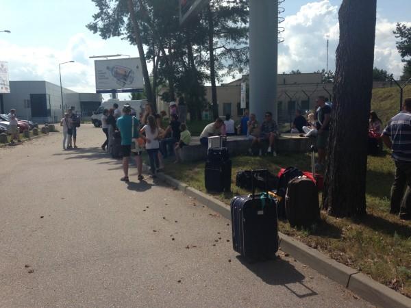 Na kilkanaście minut trzeba było ewakuować pasażerów terminala lotniska w Goleniowie.