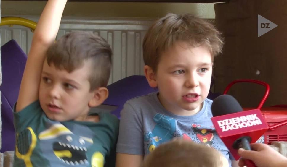 Film do artykułu: A co to? Przedszkolaki z Katowic wyjaśniają czym jest smog Odcinek 13