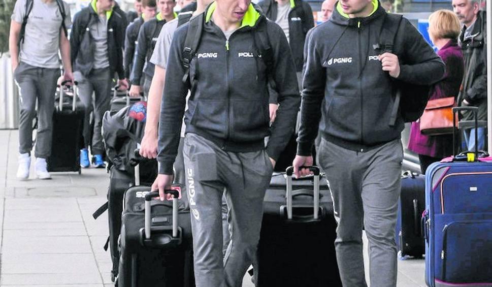 Film do artykułu: Nowa kadra odleciała z Gdańska. 18 czerwca mecz z Rumunią w Ergo Arenie