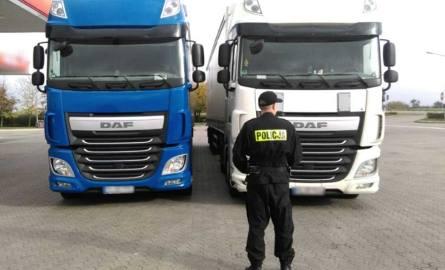 Bydgoscy policjanci otrzymali informacje, że przez nasze województwo mogą przejeżdżać dwie ciężarówki, skradzione z Niemiec. Komunikat przekazali do