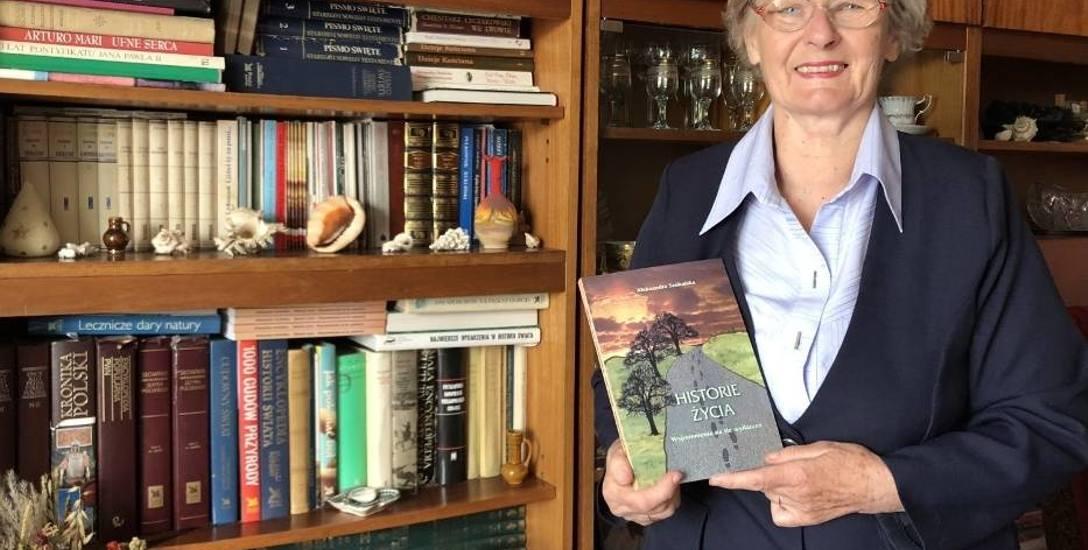 Latem w Miejskiej Bibliotece Publicznej w Kościanie odbyło się spotkanie promujące już drugą książkę autorki. Debiutem literackim Aleksandy Szukalskiej