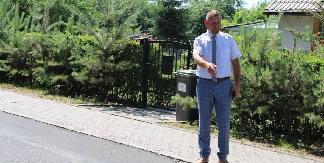- Większość powiatowych inwestycji realizujemy z pomocą lokalnych samorządów - mówi starosta żagański, Henryk Janowicz.