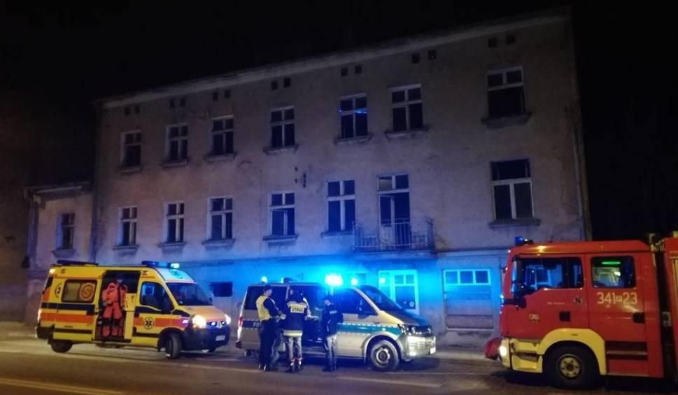 Film do artykułu: Pożar w Kaliszu? Bezdomny postawił na nogi służby ratunkowe [ZDJĘCIA]
