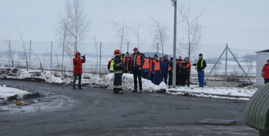 Ćwiczenia obiektowe KMPSP w hali produkcyjnej regionalnej instalacji przetwarzania odpadów komunalnych w Julkowie [ZDJĘCIA]