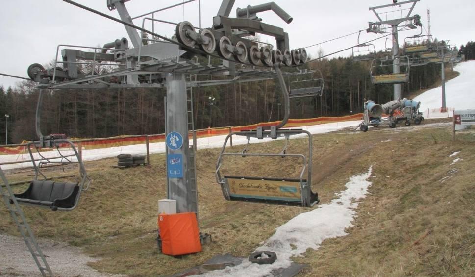 Film do artykułu: Pogoda nie sprzyja narciarzom. Część stoków w Świętokrzyskiem nieczynna