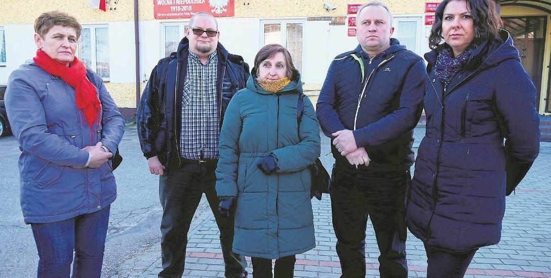 Radni z klubu Aktywni mają wójtowi dużo do zarzucenia. Pierwsza od prawej: Marta Ciborowska