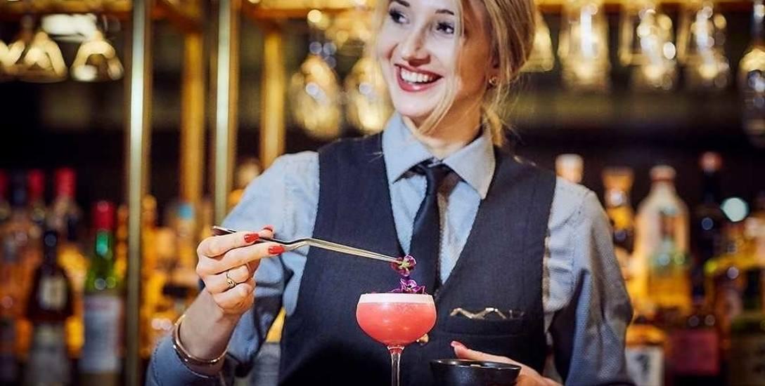 Zuzanna Janke pracuje w restauracji w centrum Londynu. Od dzieciństwa marzyła jednak, by pracować na zagranicznych wybiegach