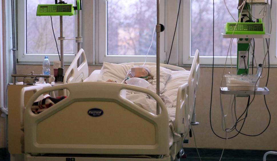 Film do artykułu: Koronawirus w Podlaskiem. RAPORT z 21.01.2021. 226 nowych zakażeń koronawirusem i 3 zgony. W Polsce 7 152 zakażenia i  419 zgonów