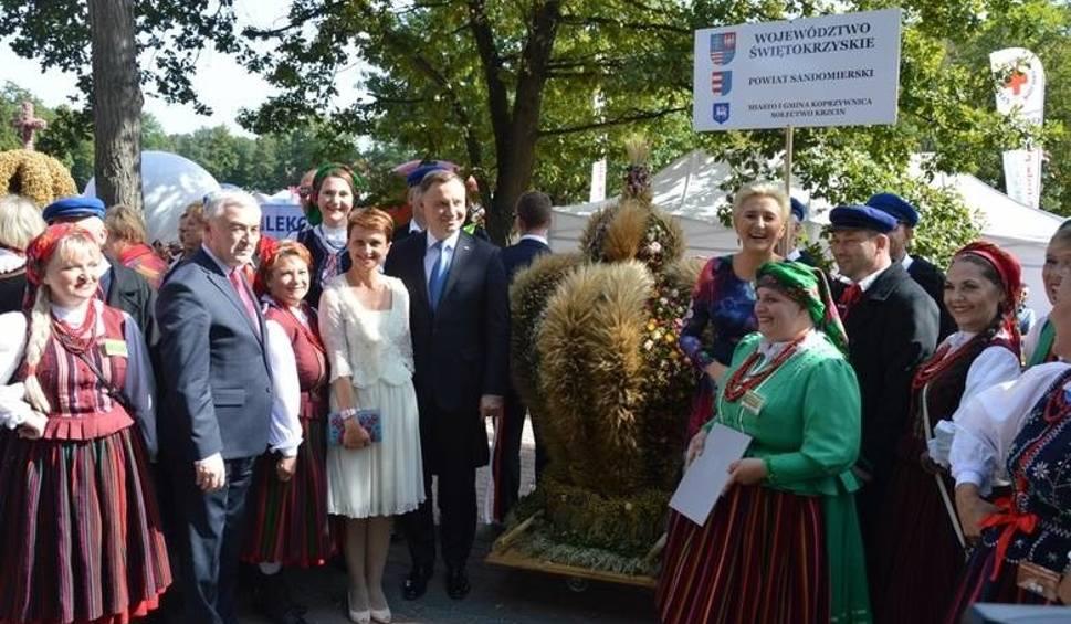 Film do artykułu: Wieniec dożynkowy z Krzcina w gminie Koprzywnica najpiękniejszy w Polsce! Trafił do Pałacu Prezydenckiego