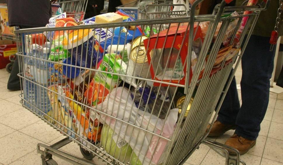 Film do artykułu: Niedziele handlowe - 16, 23 i 30 grudnia wszystkie sklepy będą czynne!