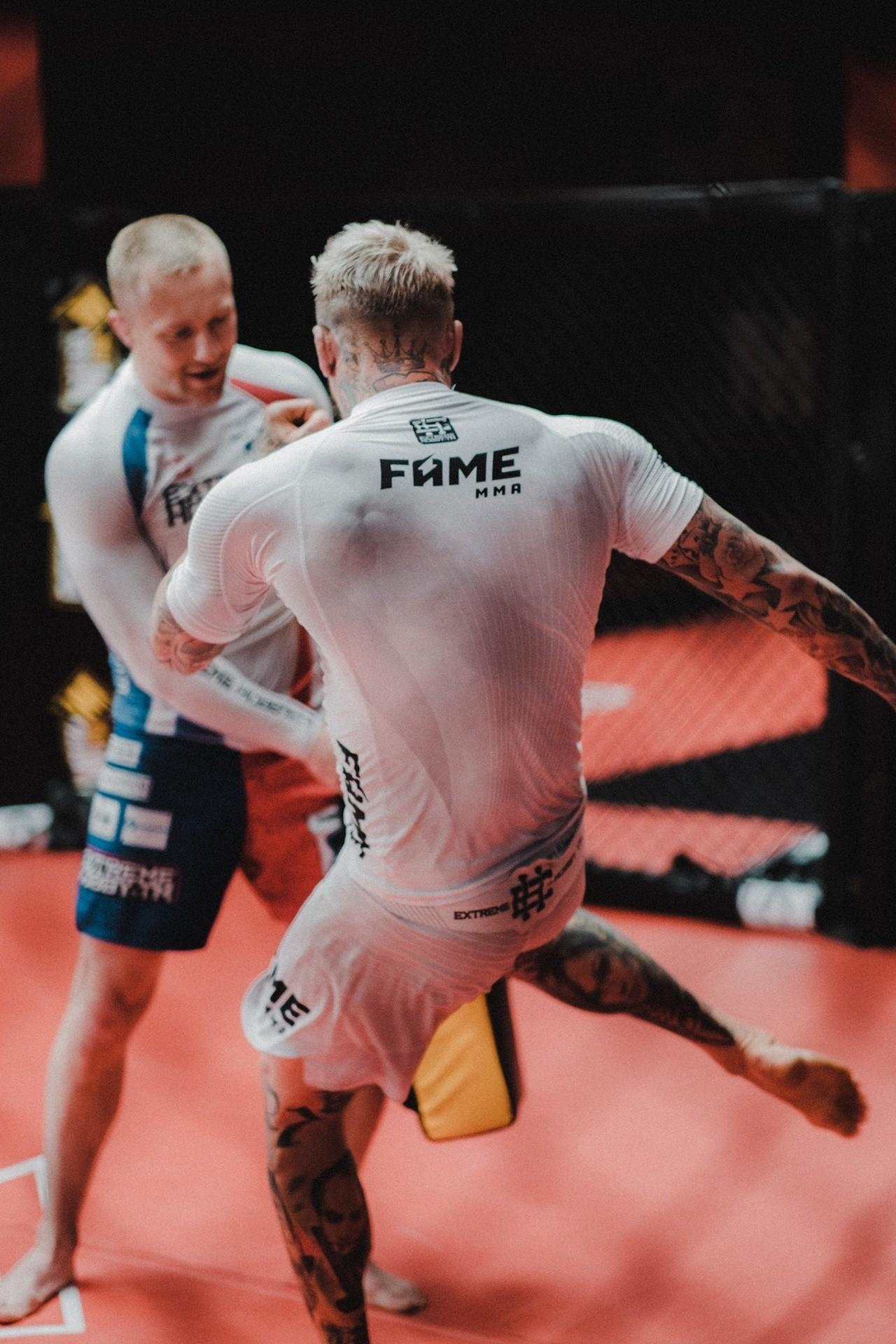 Fame MMA 7 WYNIKI. Popek poddał Stiflera. Zwycięstwo El ...