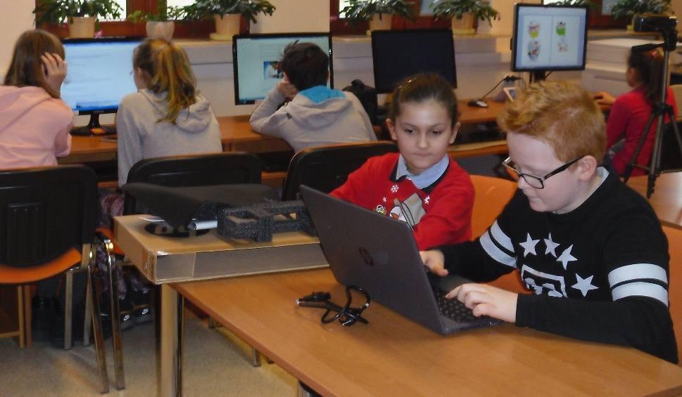 """Film do artykułu: Miejsko-Gminna Biblioteka Publiczna w Iłży zakwalifikowała się do programu """"Mądrzy Cyfrowi"""""""