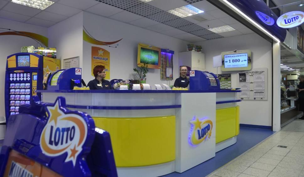 Film do artykułu: Wyniki Lotto 15.01.19 Wyniki Losowania Lotto 15 stycznia, WYGRANE, Lotto Plus, Wyniki Lotto