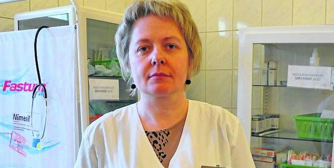 - Dowiedziałyśmy się, że szpital ma puste konto i nie ma nawet pieniędzy na pensje - mówi Kazimiera Celmerowska-Kochman.