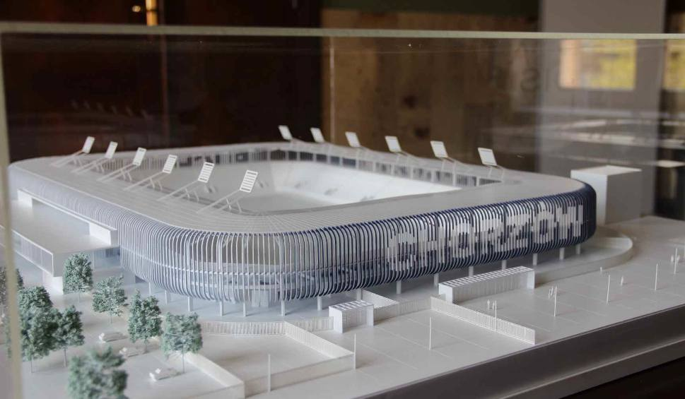 Film do artykułu: Nowy stadion Ruchu Chorzów WIZUALIZACJE, MAKIETA Sprawdź ile będzie sky-boxów i miejsc parkingowych