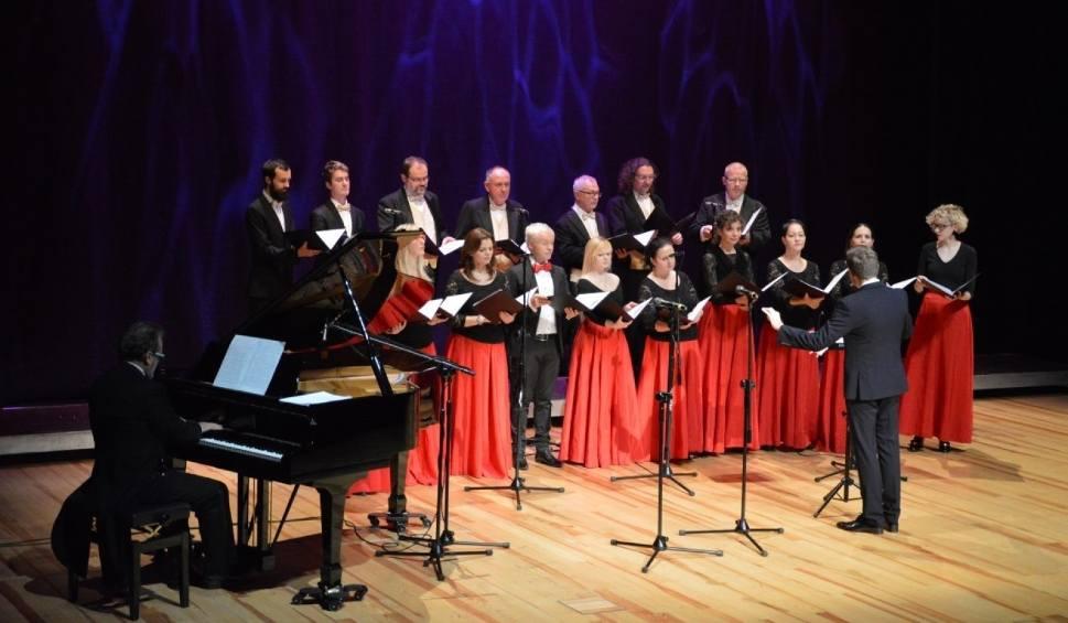 Film do artykułu: Koncert na stulecie niepodległości. Cappella Gedanensis i Konstanty Wileński zagrali w filharmonii w Wejherowie [zdjęcia, wideo]