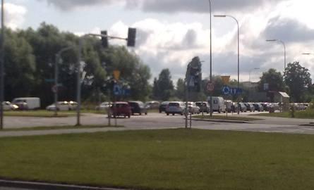 Korek na wiadukcie Dąbrowskiego. Remont drogi. Utrudnienia w ruchu