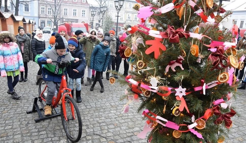 Film do artykułu: Choinka nadziei rozbłysła w Bielsku-Białej dzięki dzieciom ZDJĘCIA