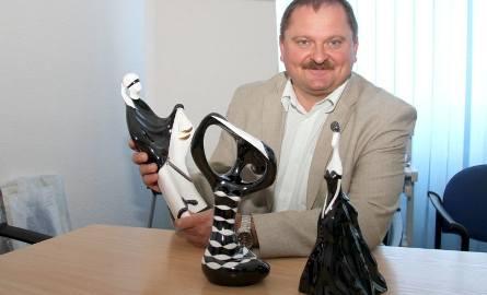 Włodzimierz Wielgus, dyrektor Szpitalika Dziecięcego w Kielcach przywiózł od Adama Spały, właściciela fabryk porcelany AS w Ćmielowie piękne figurki