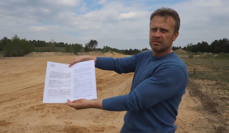 Film do artykułu: Trwa akcja protestacyjna lokalnej firmy pod Starostwem Powiatowym w Szydłowcu