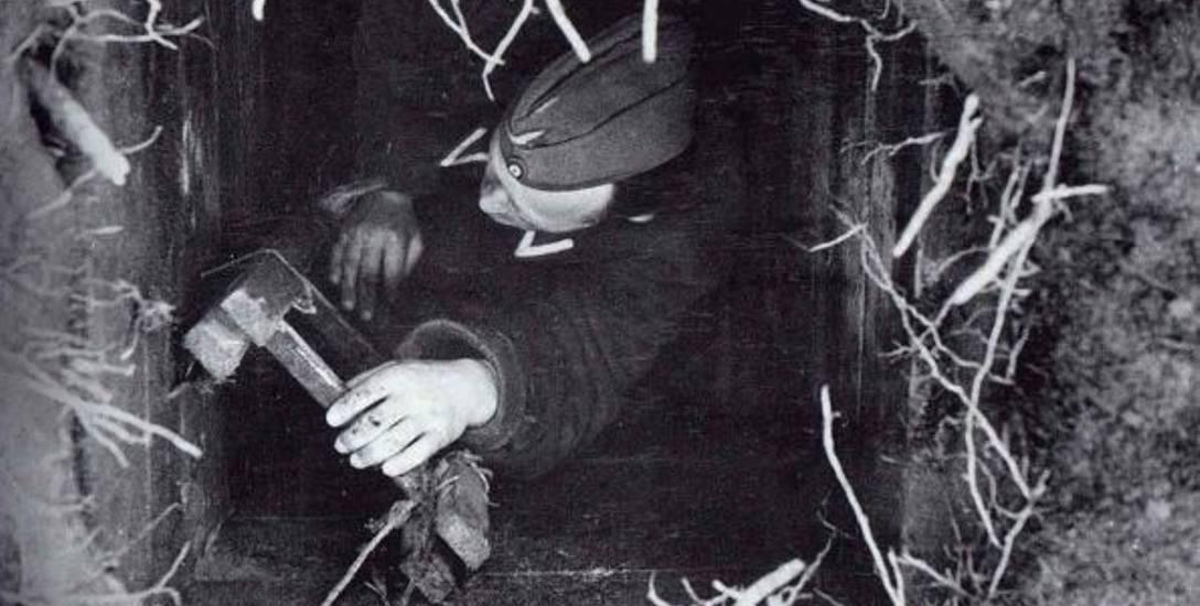 Niemiecki strażnik w wyjściu z tunelu Harry