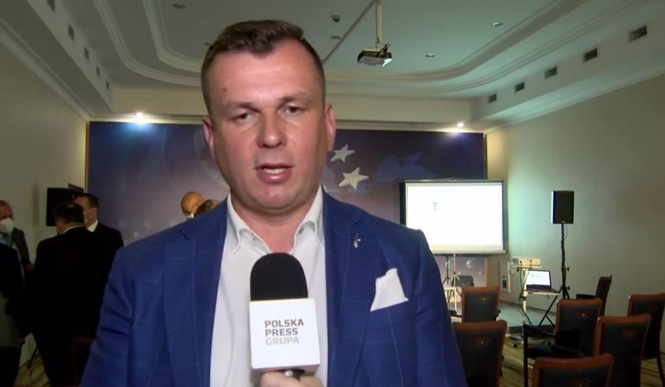 Film do artykułu: Prezes Adam Hamryszczak na Forum Ekonomicznym w Karpaczu o przyszłości lotniska w Jasionce [WIDEO]