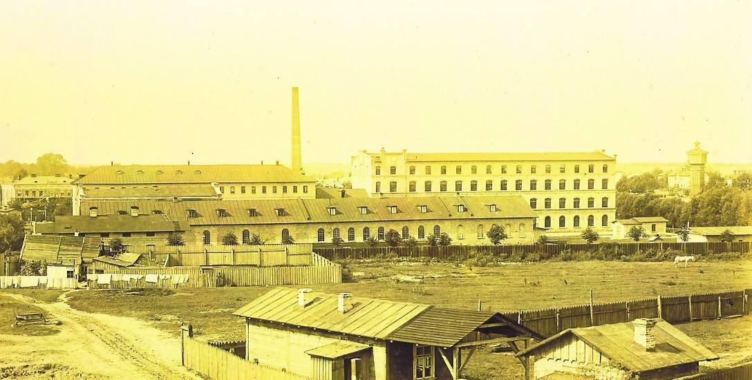 Przy ul. św. Rocha 14 mieściła się Fabryka Rudolfa Commichau i jego synów. Zdjęcie  wykonane przez Józefa Sołowiejczyka w 1897 r.
