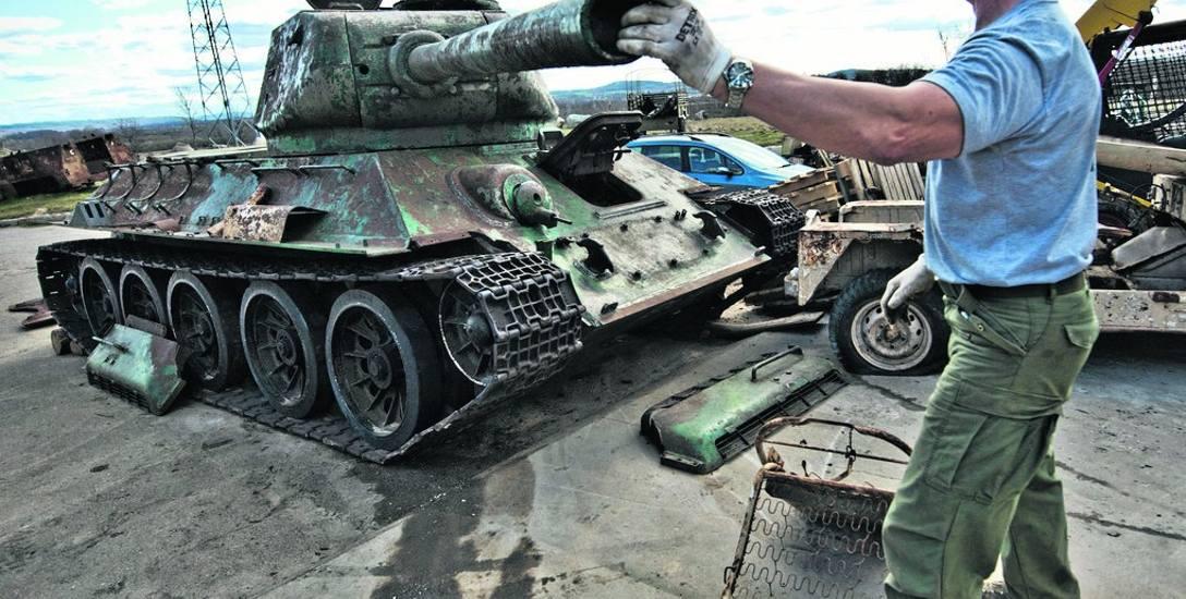 Co dalej ze słynnym czołgiem T-34 ze Sławna? Wojskowa maszyna ma stać się jedną z atrakcji zlotów w Darłówku