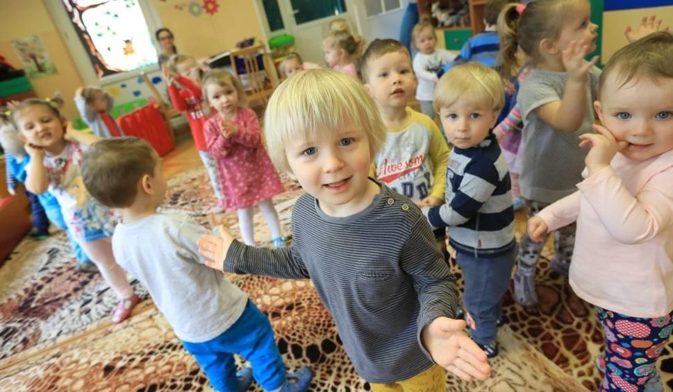 Film do artykułu: Żłobki w gminach Podkarpacia. Dzieci będą bez opieki - bez rodziców, dziadków i niań ani rusz