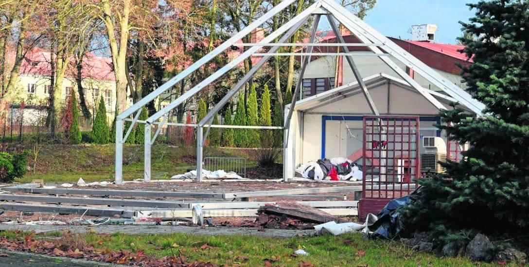 Rozbiórka namiotu przy ul. Lelewela, w jego miejscy ma stanąć blok mieszkalny