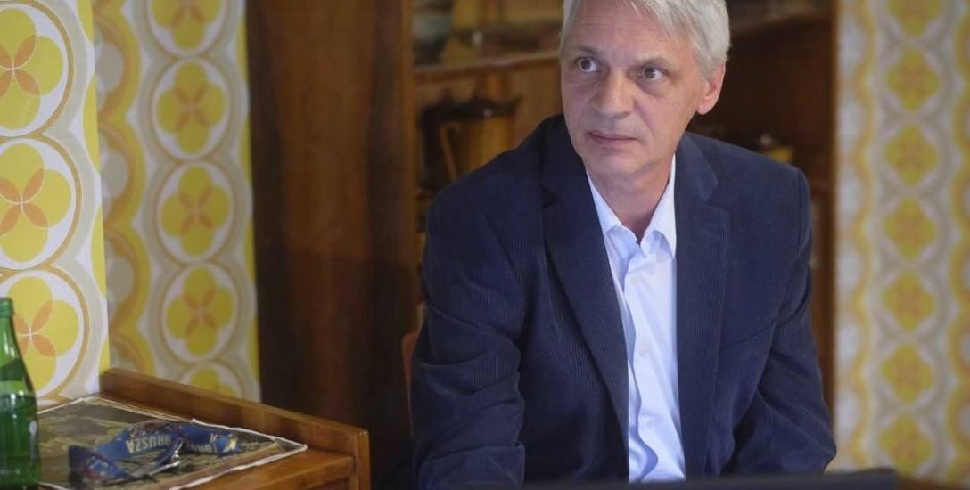 - Tradycja zanika, młodzi nie widzą już w tych owadach znaku od bóstw - mówi dr Rafał Beszterda.