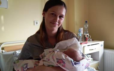 Dominika Cetnarowska z Szymbarku z malutką Anią miały wyjątkowego Sylwestra. Obie panie są bardzo szczęśliwe.