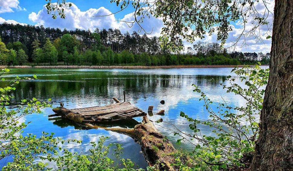 Film do artykułu: Jeziora Ośniańskie wyglądają jak nanizane na nitkę