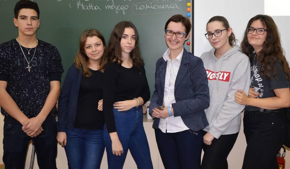 Film do artykułu: Katechetka na medal - Małgorzata Janiec z II Liceum w Skarżysku najlepszym nauczycielem