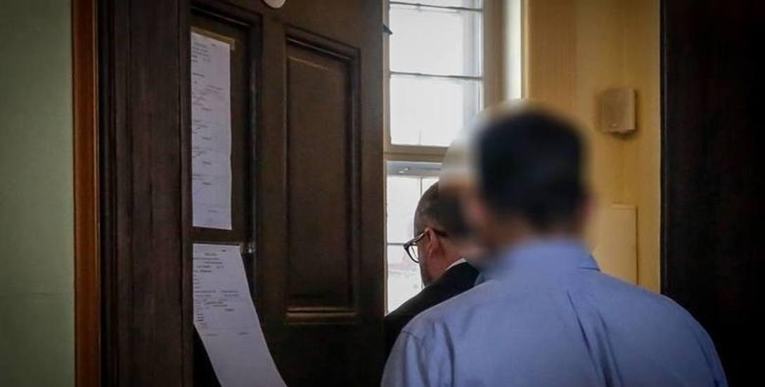 Miał wykorzystać seksualnie aż 26 uczennic. W sądzie zaprzecza. Co o sprawie mówią rodzice poszkodowanych uczennic?