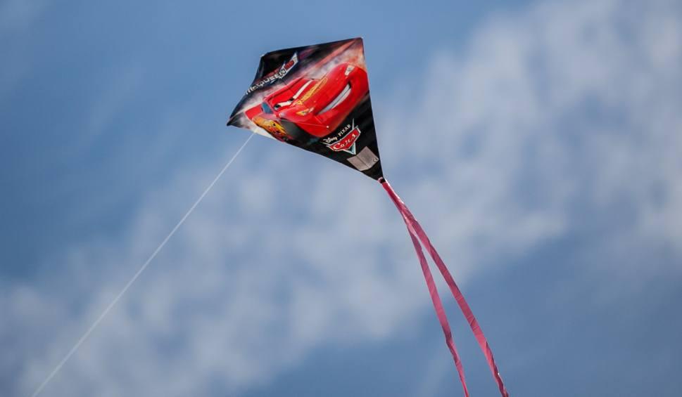 Film do artykułu: Jak zrobić latawiec? Weź udział w Poznańskim Dniu Latawców - będą warsztaty i wspólne ich puszczanie na Cytadeli