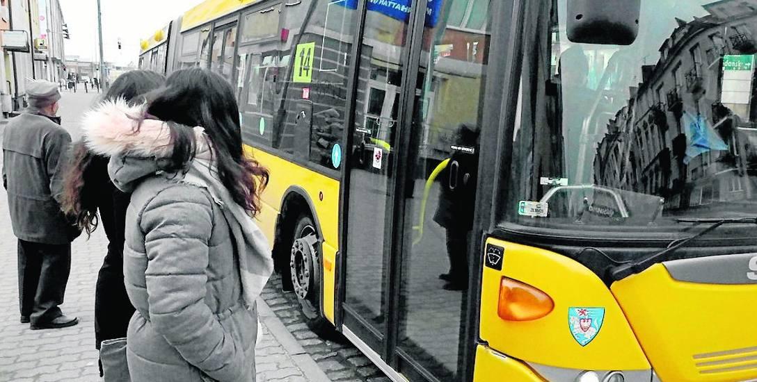 - Kilkadziesiąt złotych na transport dla osoby niepełnosprawnej, która naprawdę niewiele zarabia, to wielka ulga - przekonuje mama 24-letniego niepełnosprawnego