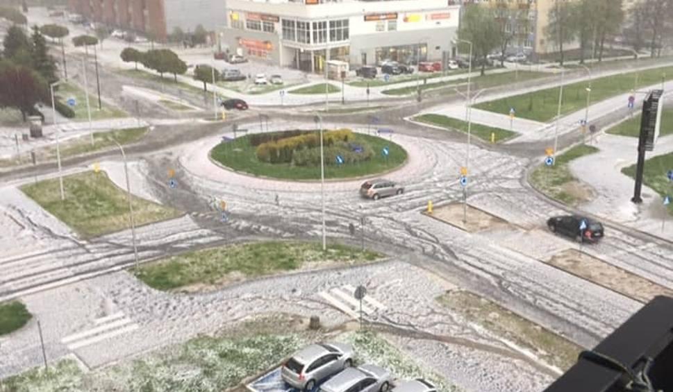 Film do artykułu: Grad i zalane ulice w Świdniku. Skutki środowej burzy
