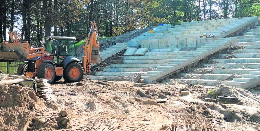 Powstający właśnie nowy amfiteatr w Sławnie. Prace  mają zakończyć się w październiku