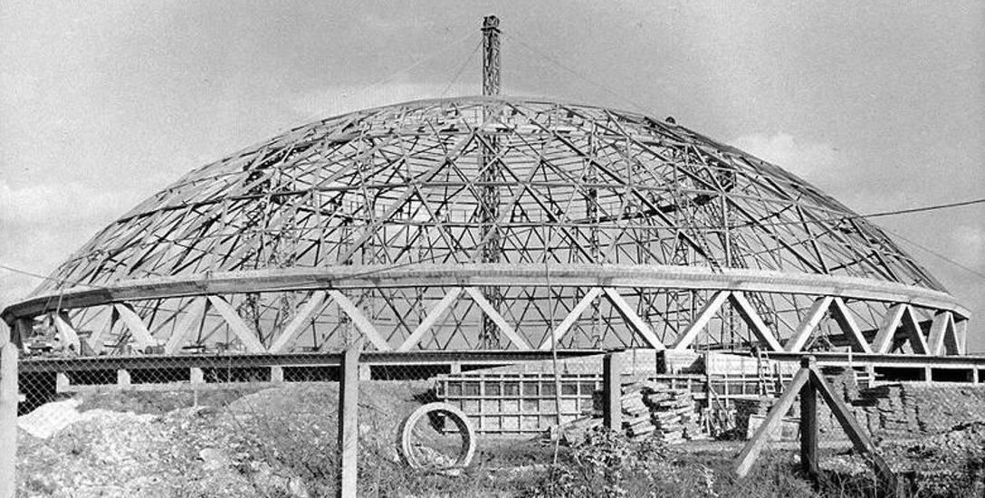 W momencie oddania - przed 50 laty - Okrąglak był najbardziej nowoczesnym obiektem sportowym w Polsce.