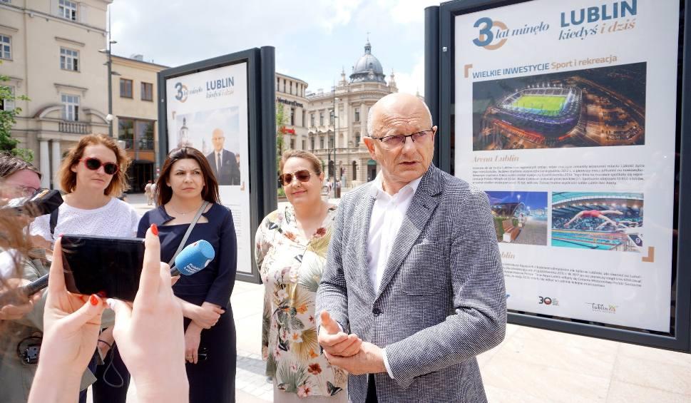 """Film do artykułu: 30 lat minęło. Lublin kiedyś i dziś - wystawa """"Kuriera Lubelskiego"""" i Miasta Lublin stanęła na placu Litewskim"""