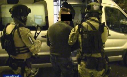 """""""Misiek"""" oczekuje na przesłuchanie w jednoosobowej, monitorowanej celi w krakowskim areszcie"""