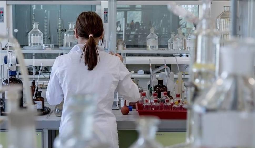 Film do artykułu: Groźny wirus odry wraca. Od początku roku w Małopolsce na odrę zachorowało 135 osób, w całej Polsce ponad 1,3 tys.