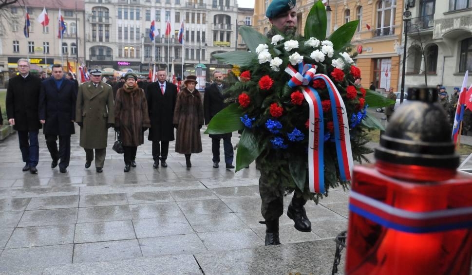 Film do artykułu: Żałoba narodowa w dniu pogrzebu Pawła Adamowicza. Weekendowe wydarzenia  w Bydgoszczy są odwoływane