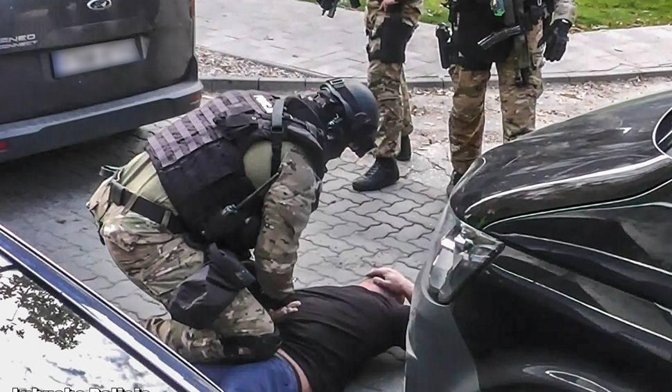 Film do artykułu: Antyterroryści zatrzymali mieszkańca Skarżyska. Jest podejrzewany o czerpanie korzyści z prostytucji