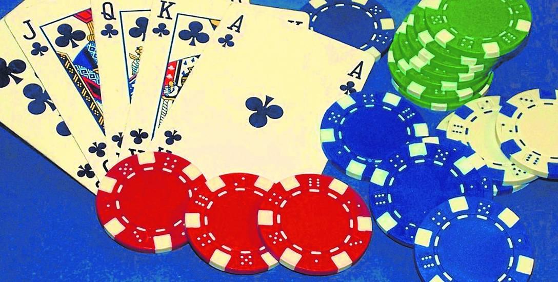"""Prawdopodobieństwo otrzymania """"Królewskiego Pokera"""" na ręce wynosi ok. 0,000154%  przy blisko 42% posiadania pary w ręku"""